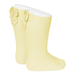 Garter stitch knee high socks with bow BUTTER