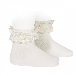 Lace trim short socks with bow CREAM