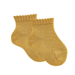 Ankle socks with micro relief