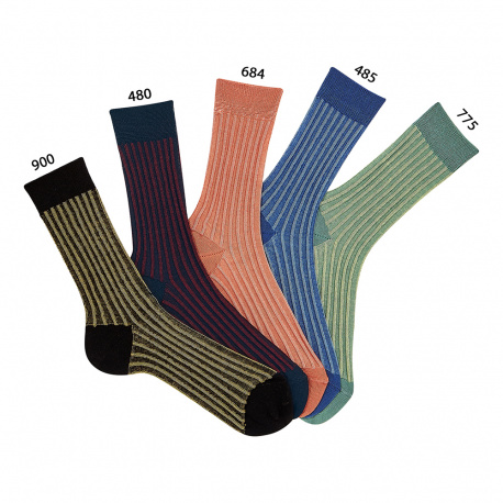 Short socks with vertical lines